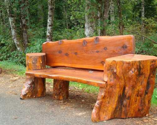 Деревянные скамейки и лавочки